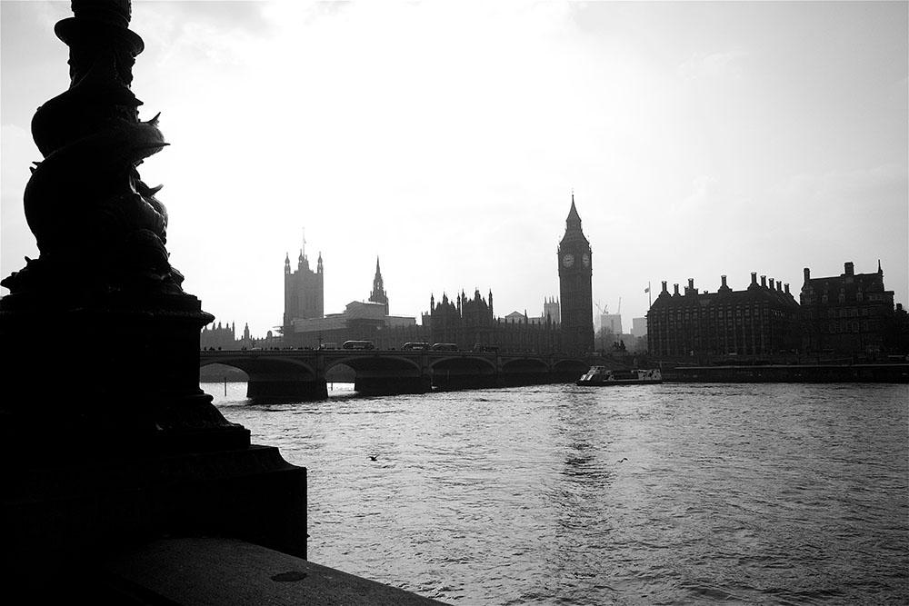 Blick auf die Westminster Bridge mit Big Ben