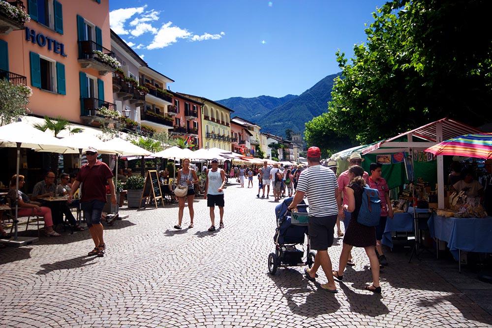 Strandpromenade Ascona, Markt